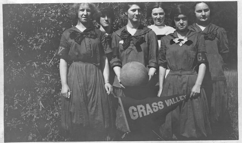 Grass Valley High School Girls Basketball Teamc