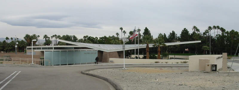 Palm Springs Official Visitors Center