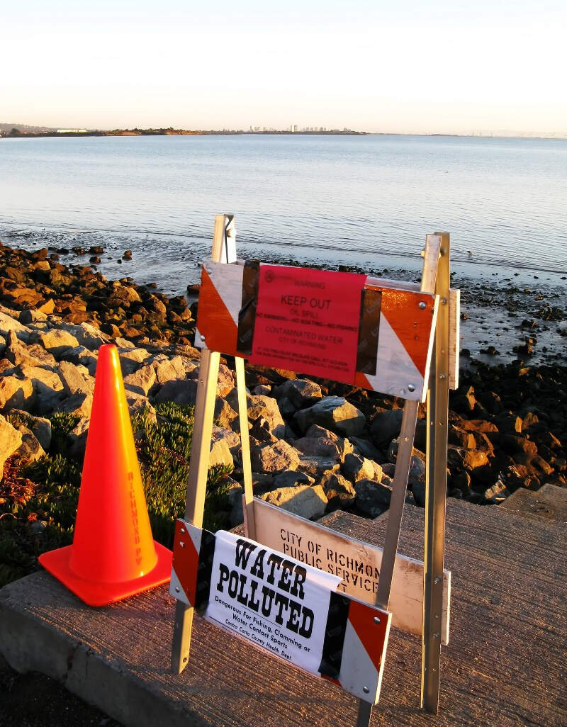 Richmond Marina Bay Shore Closure  Oil Spill