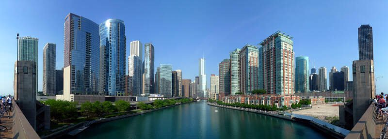 Buildings Along Chicago River Line The South Border Of The Near North Side And Streeterville And The North Border Of Chicago Loopc Lakeshore East And Illinois Center