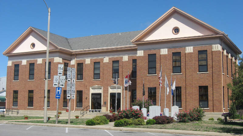 Perry County Courthouse In Pinckneyville