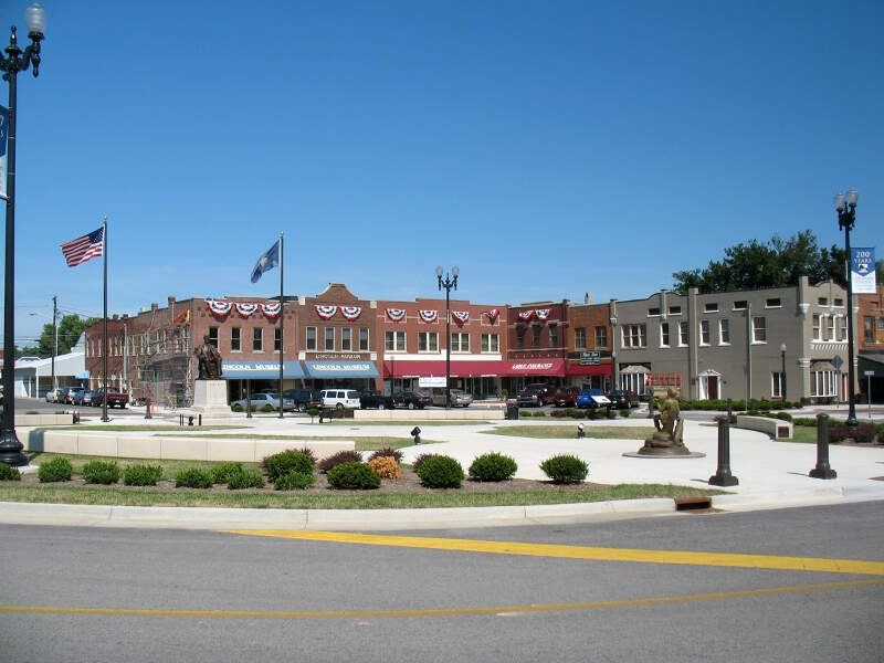 Hodgenville Ky Town Square