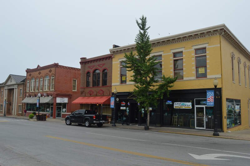 South Courthouse Square In Somerset