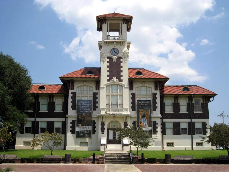 Old City Hall Lc
