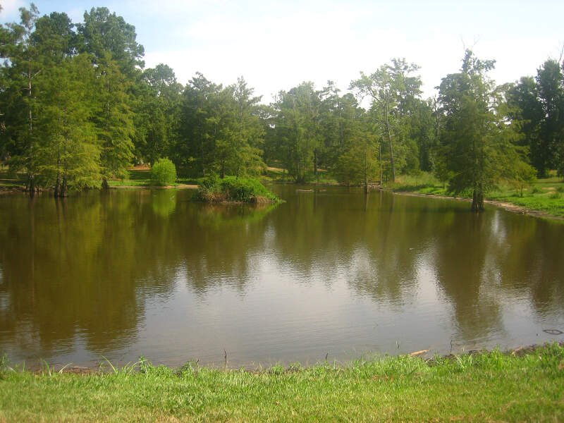 Pond At Greenwood Memorial Park In Pinevillec La Img