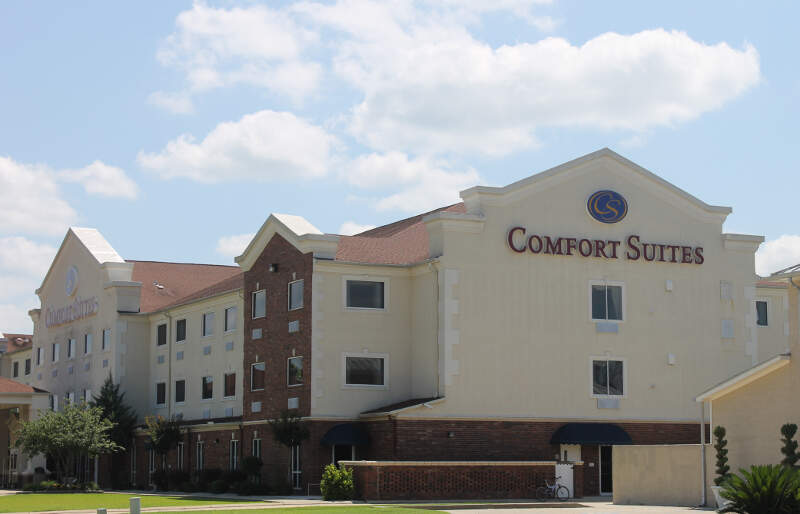 Comfort Suites In Vidaliac La Img