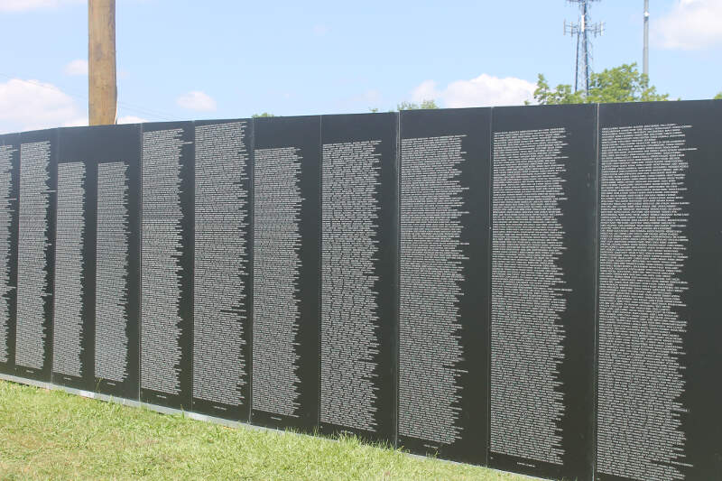 Traveling Vietnam War Memorial Wall In Vidaliac La Img