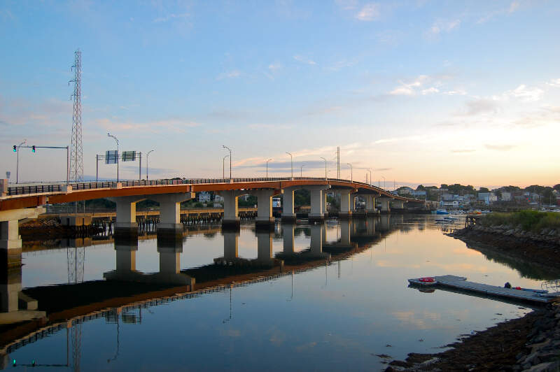Veterans Memorial Bridge
