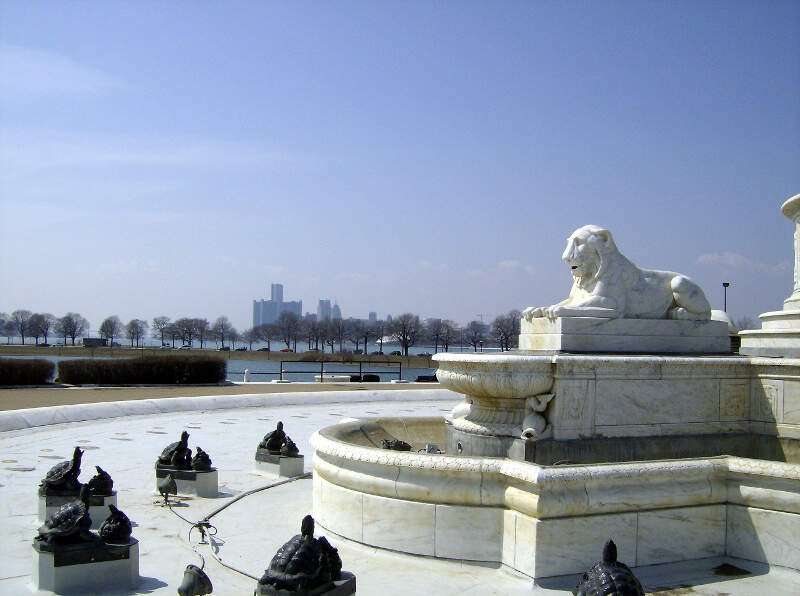 James Scott Fountain  Detroit Skyline