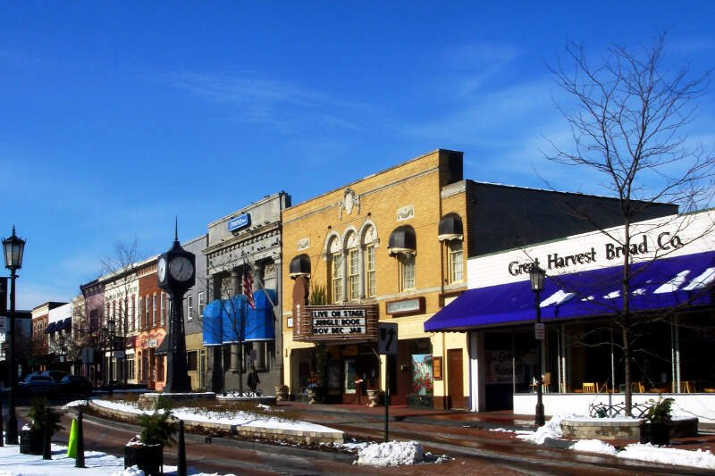 Snobbiest Places In Michigan
