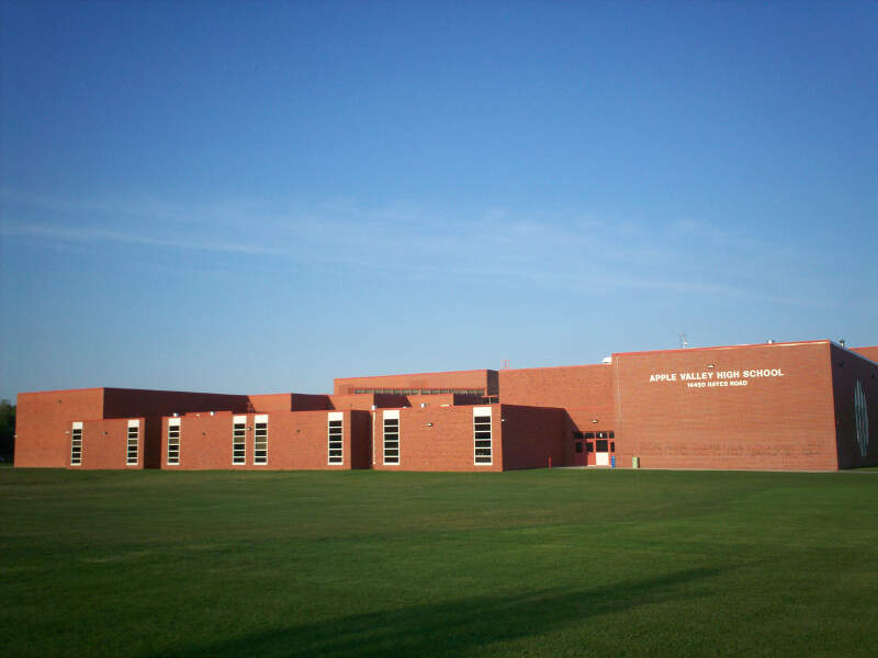 Applevalleyhighschoolside