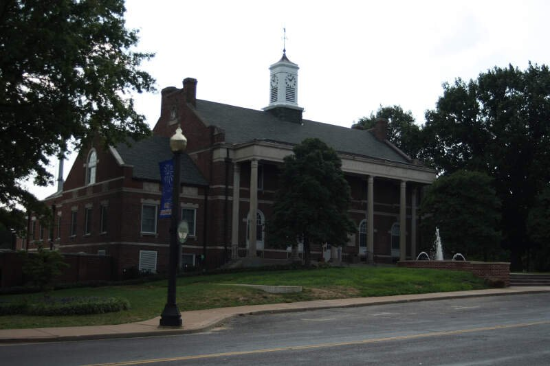 Webster Groves City Hall In