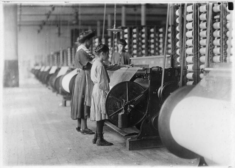 Girls Running Warping Machines In Loray Millc Gastoniac N