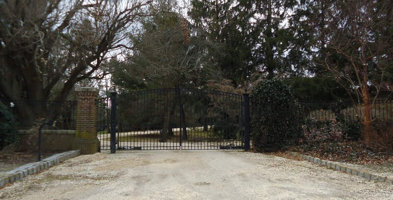 Gate And Driveway At Home Of Famous Rock Star In Rumson Nj