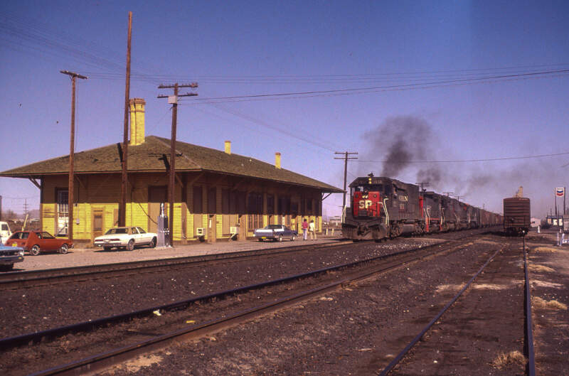 An Sp Westbound Passing The Old Demong Nm Depot