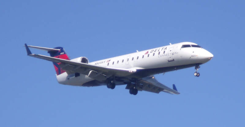 Pinnacle Airlines Crj Nay Kdca