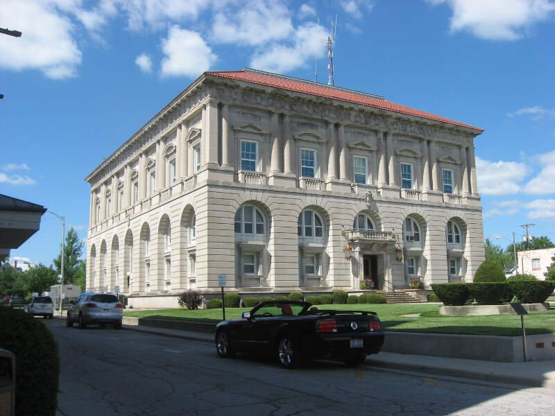 Putnam County Courthouse In Ottawac Southwestern Angle