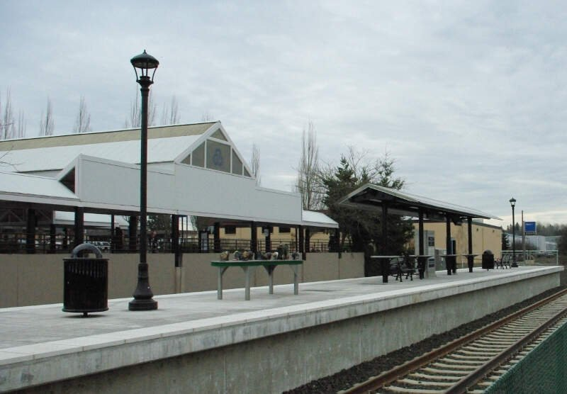 Tigard Transit Center Station Side