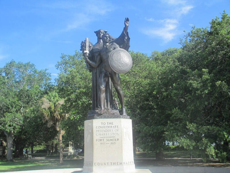 Daughters Of The Confederacy Monument In Charlestonc Sc Img