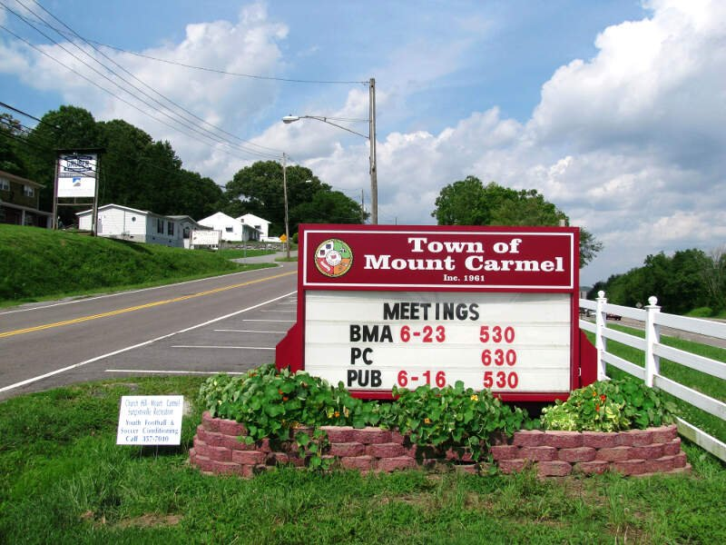 Mount Carmel Welcome Sign Tn