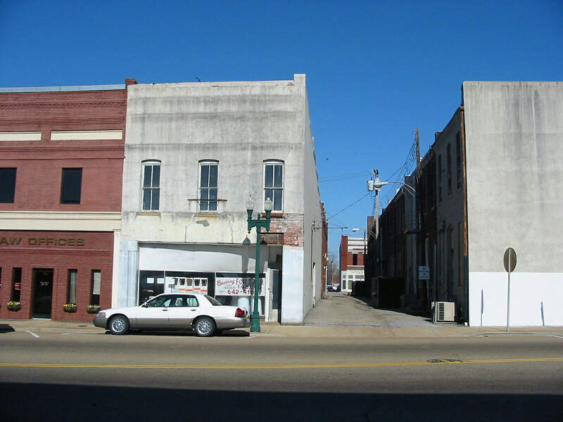 Downtown Paris Tennessee