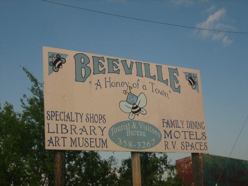 A Second Beevillec Texasc Sign Img