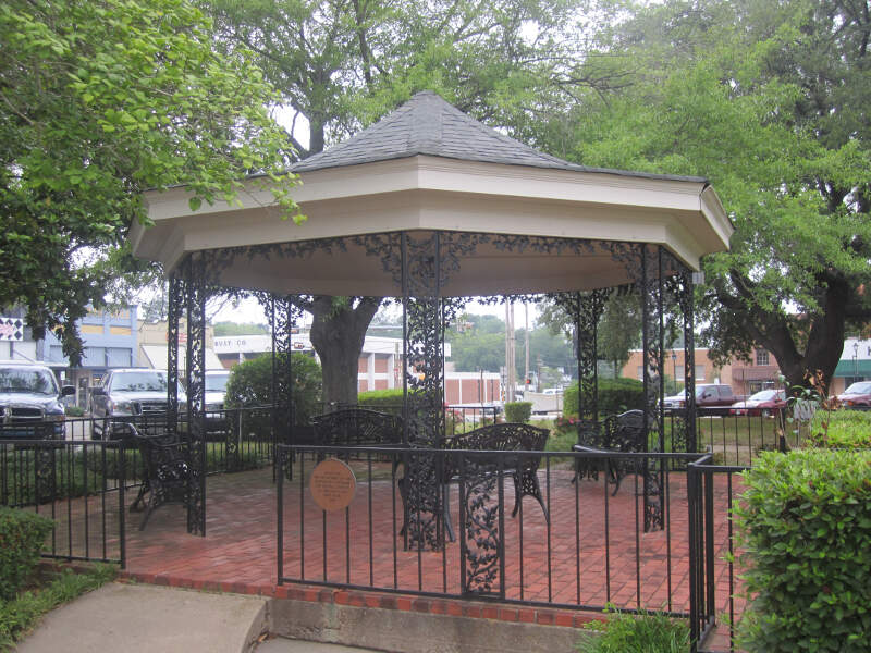 Downtown Park In Carthagec Tx Img