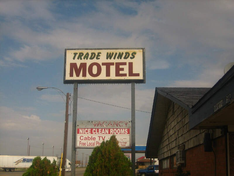 Trade Winds Motel Img