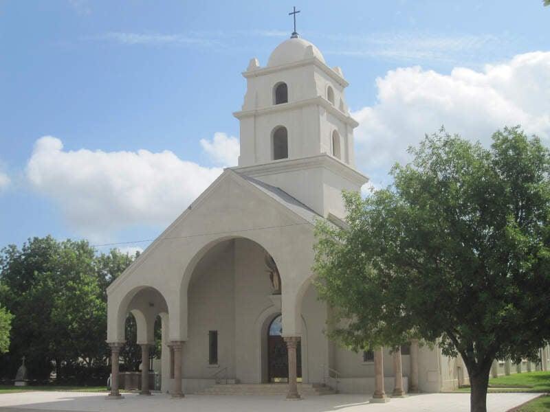 Sacred Heart Catholic Churchc Crystal Cityc Tx Img