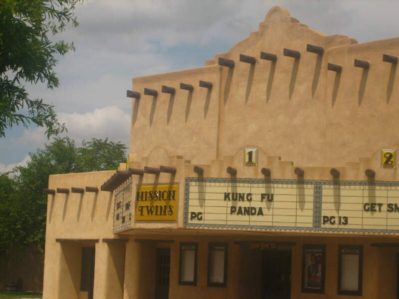 Mission Twins Theater In Downtown Dalhart Img