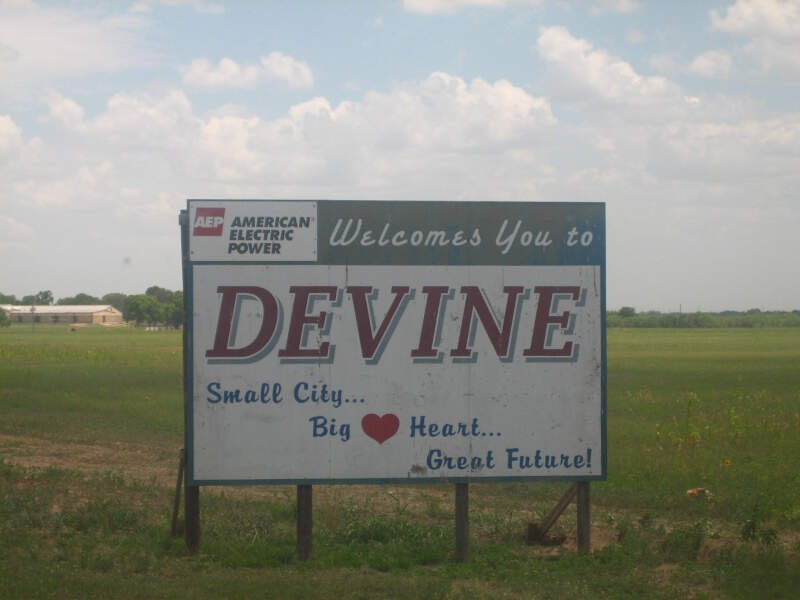 Sign To Devinec Tx Picture