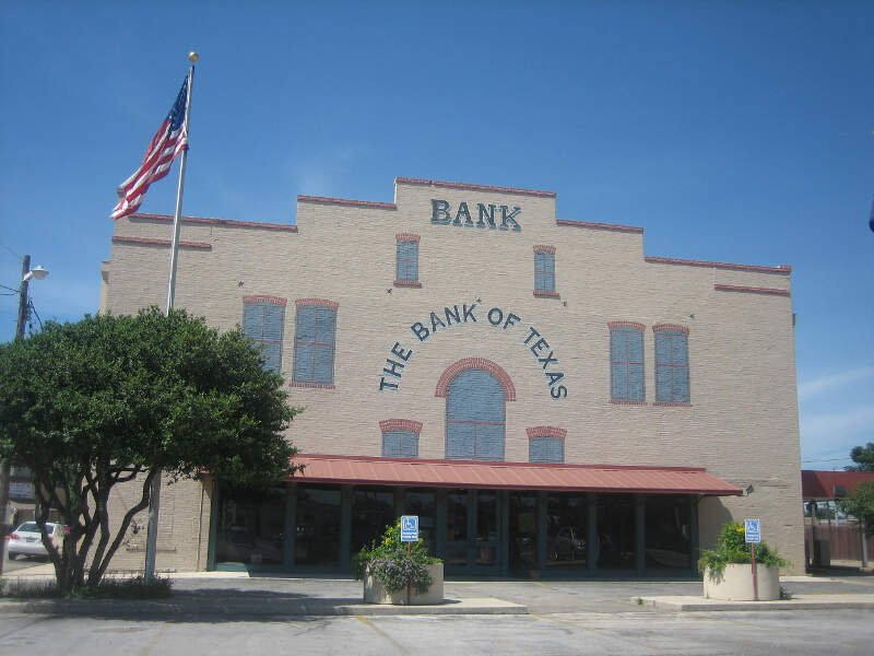 The Bank Of Texas In Devinec Tx Img