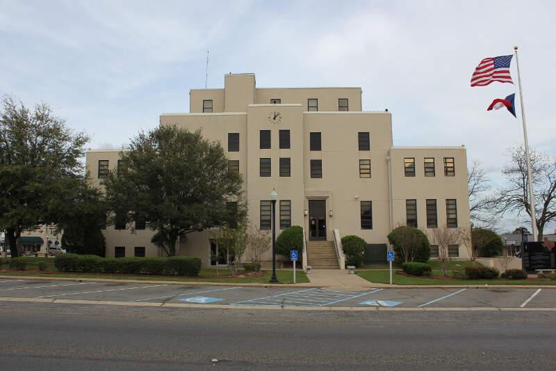 Titus County Courthousec Mount Pleasantc Texas