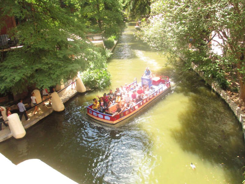 Another Boat On The San Antonio River Img