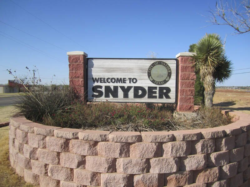 Revised Photoc Snyderc Txc Welcome Sign Img