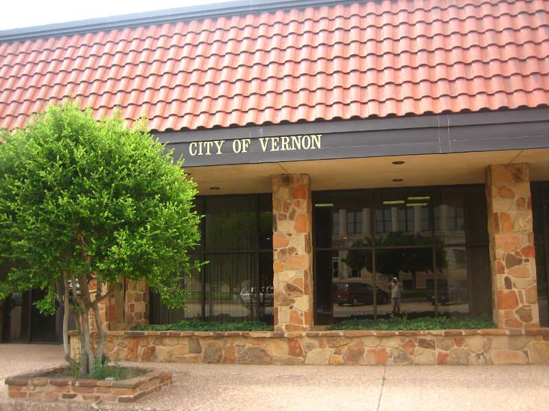Vernonc Tx City Hall Picture