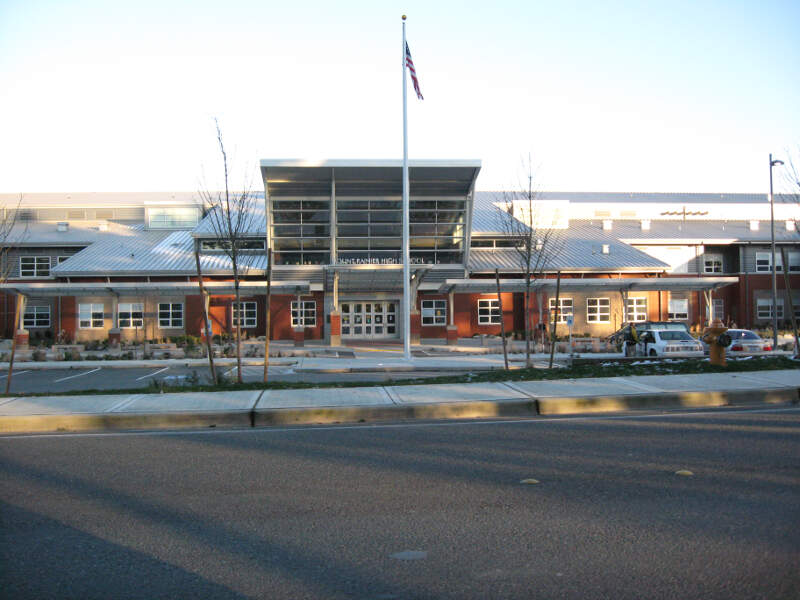 Mount Rainier High School