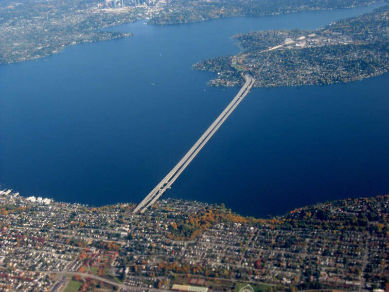 I  Bridge Across Lake Washington In Seattle