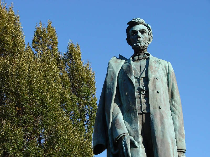 Abraham Lincoln  Statue In Downtown Spokane Wa  Usa