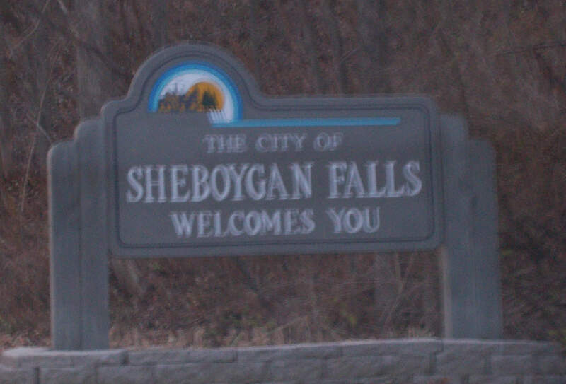 Sheboyganfallswisconsinwelcomesign