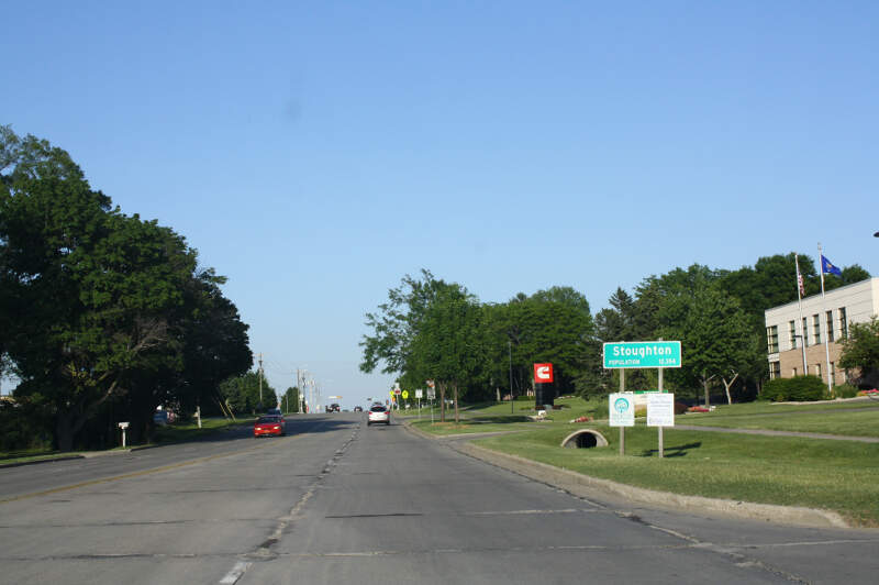 Stoughtonwisconsinwelcomesignus
